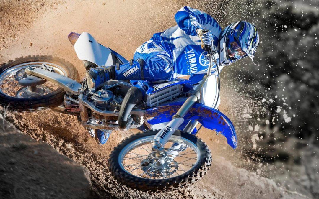 Отличие мотоцикла «Эндуро» от «Мотокросса»