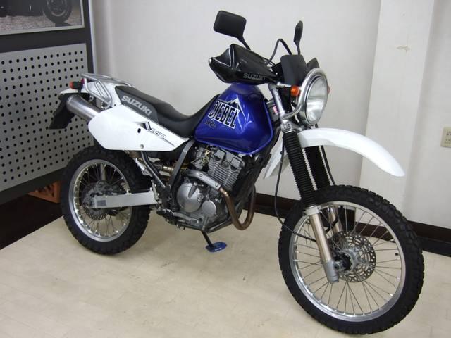 Suzuki Djebel 250XC - вид спереди