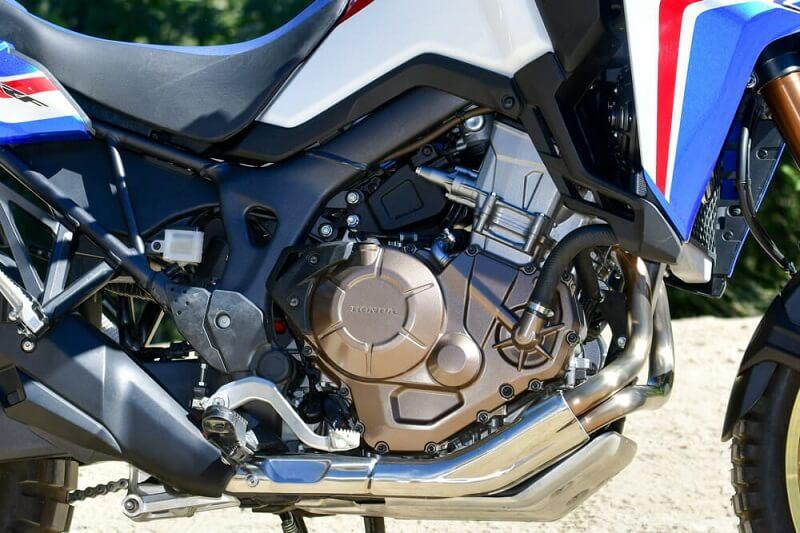 Honda Africa Twin -двигатель для сравнения