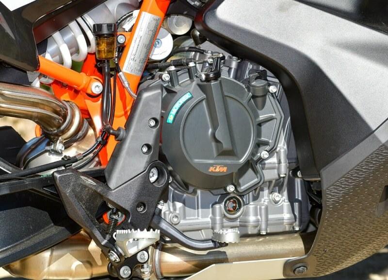 KTM 790 Adventure R-двигатель для сранения